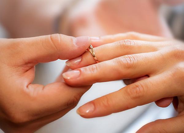夫から突然の離婚宣言
