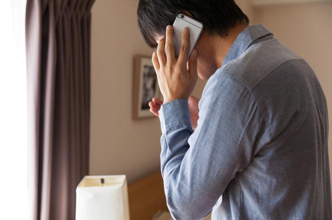 妻がお風呂に入っている間に浮気相手と電話